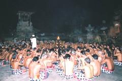 ウブドのパダン トゥガル集会場