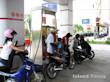ガソリンスタンドで給油