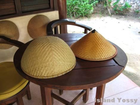 竹で編んだ帽子