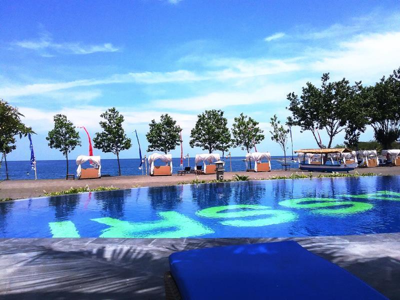 Adi Assri Beach Resort & Spa Pemuteran ホテル詳細