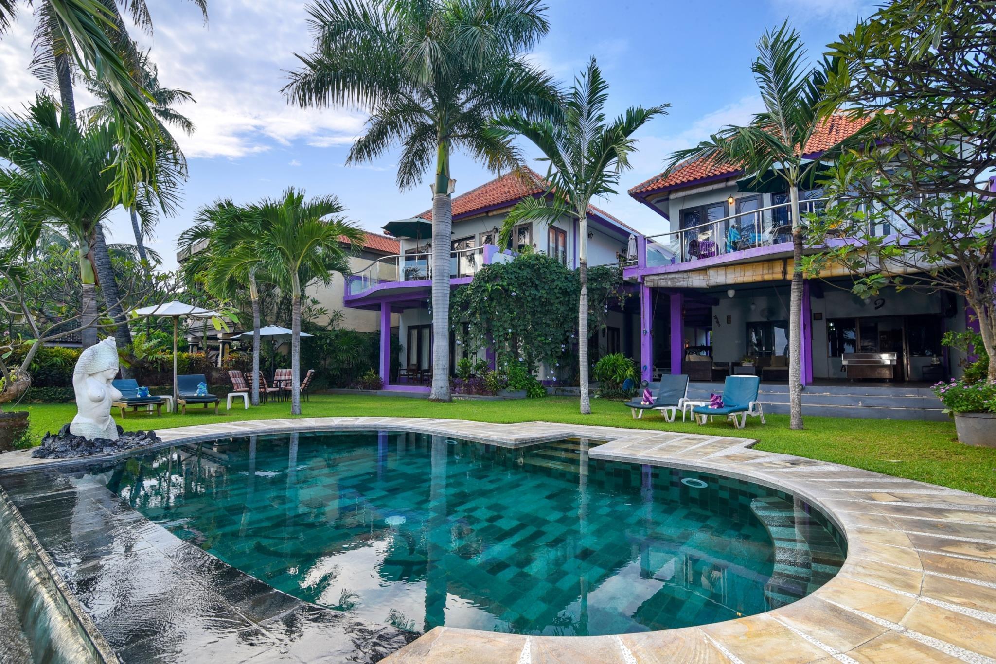 Dolphin Beach Bali Villas ホテル詳細