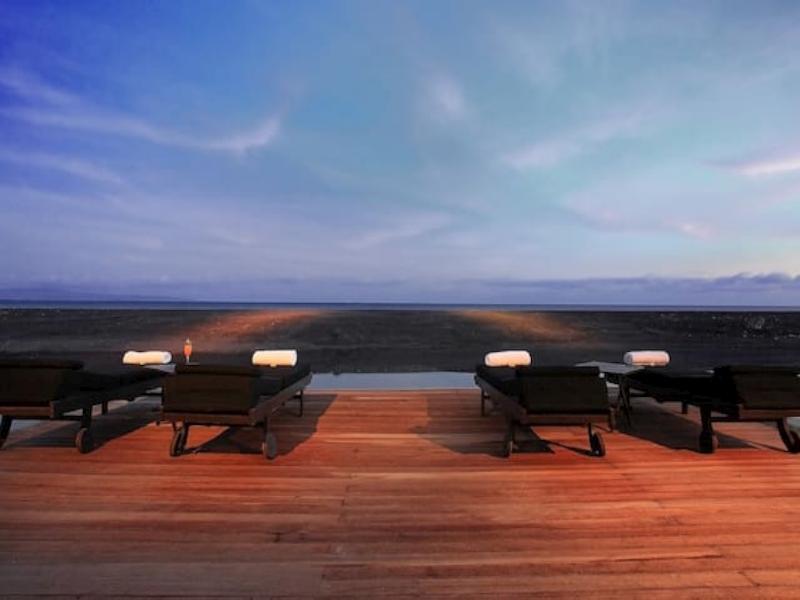 Luxury Beachfront Family Villa North Sanur Bali ホテル詳細