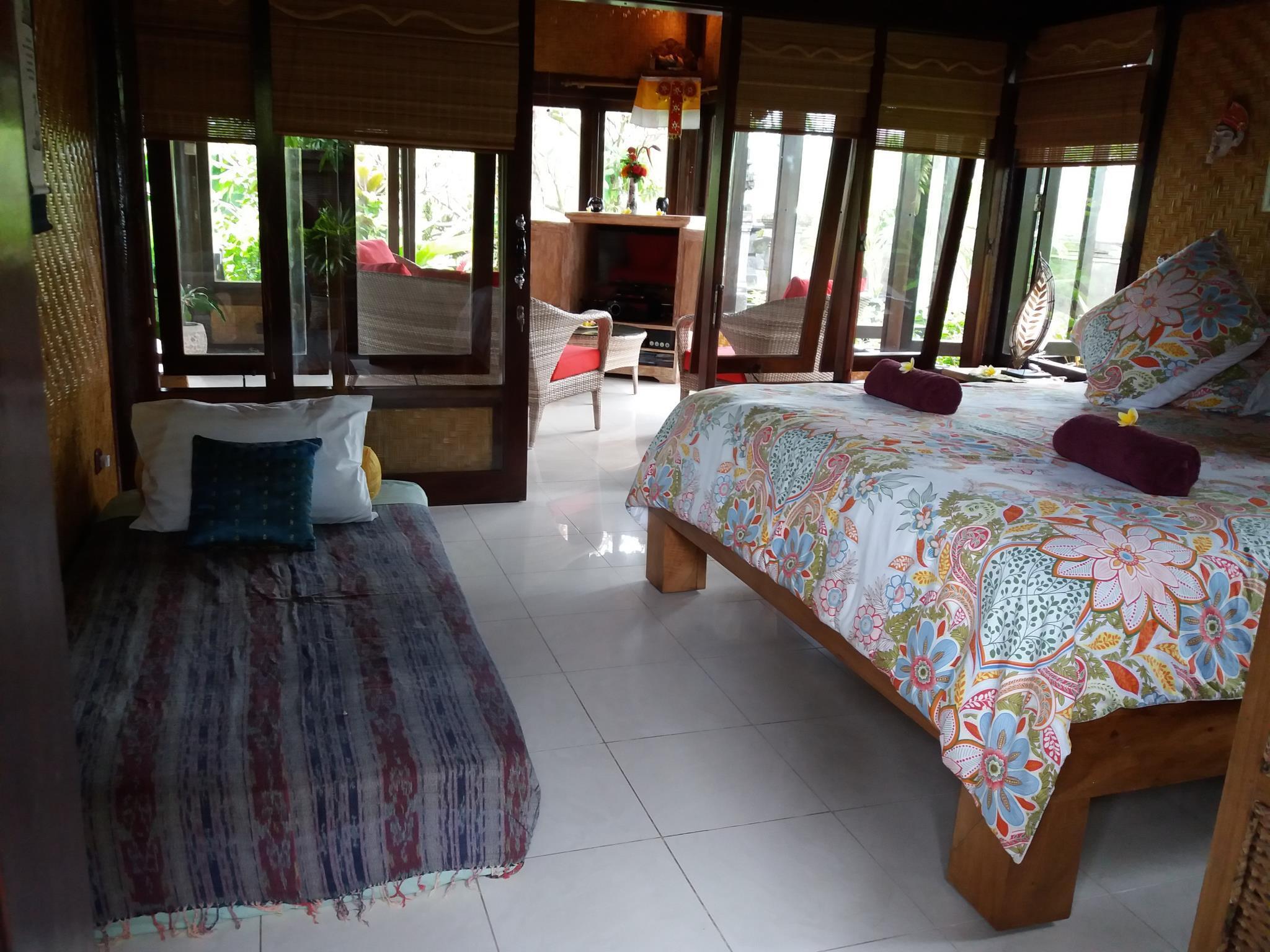 Villa Gede Batulumbang ホテル詳細
