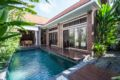3BR & Private Pool villa 5min away from Seminyak ホテル詳細