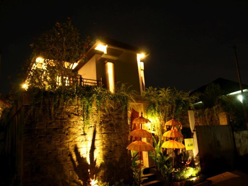 Alam De Nusa Dua Villa ホテル詳細