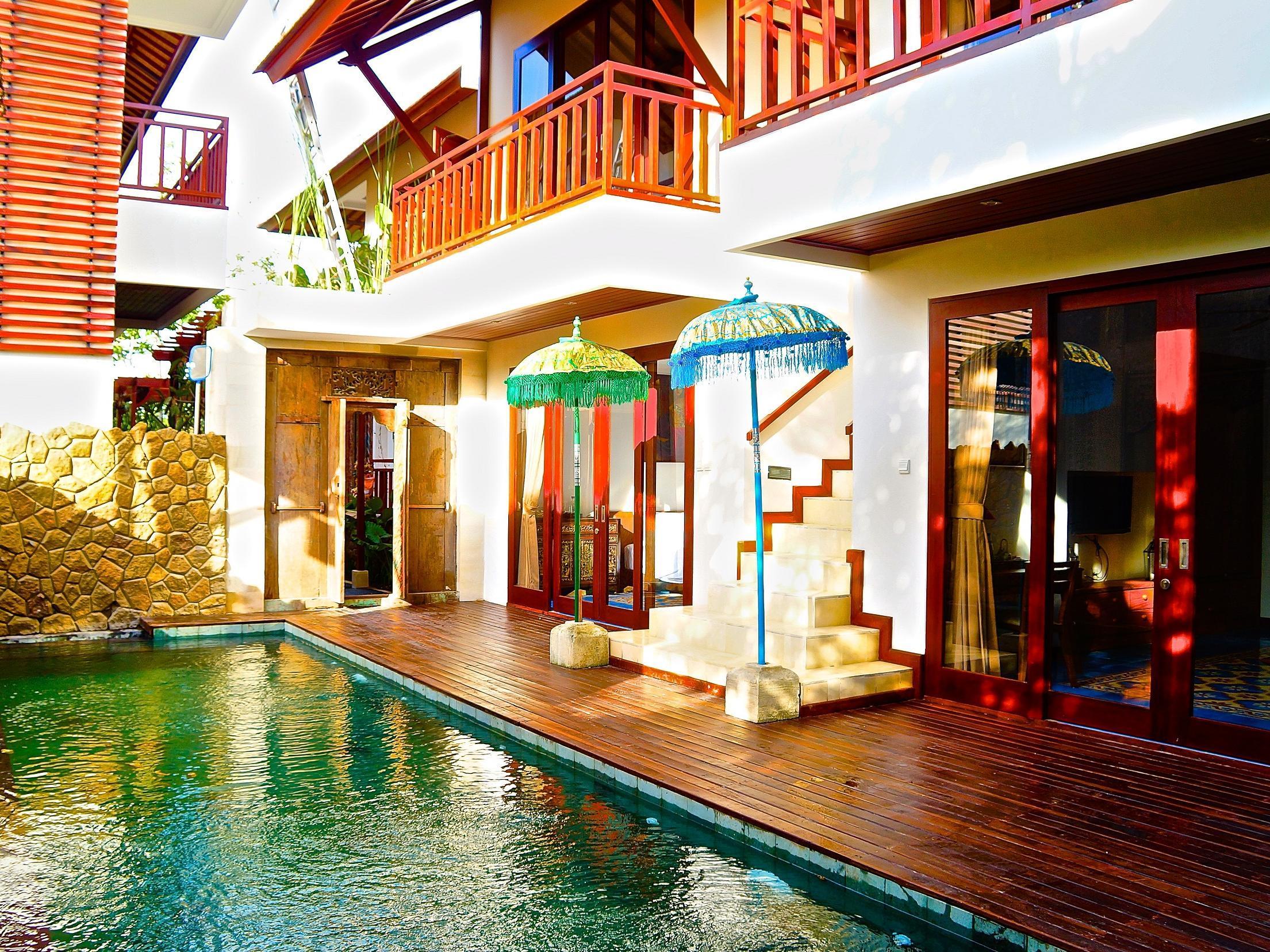 Aqua Octaviana Bali Villa ホテル詳細