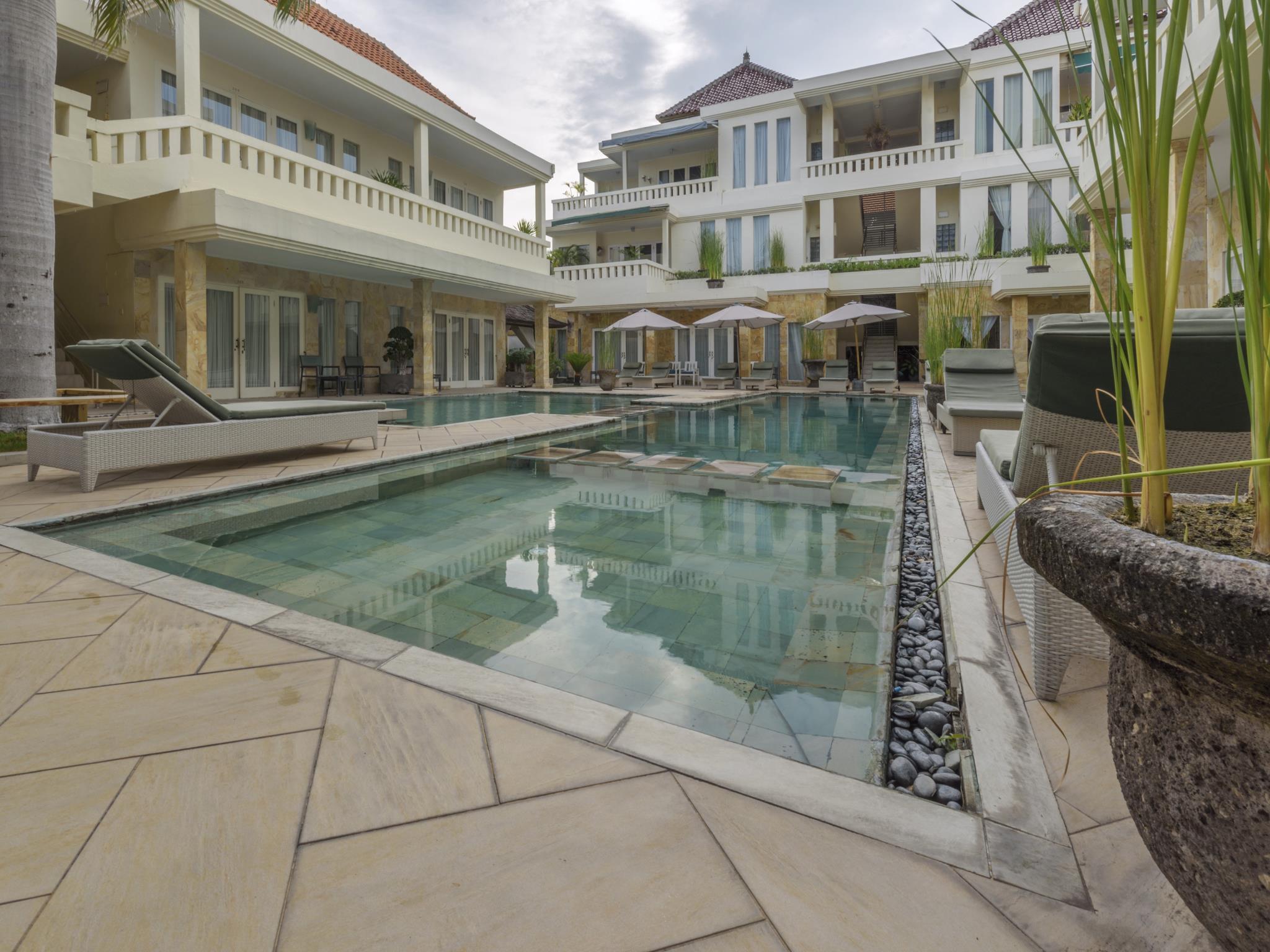Bali Court Hotel & Apartment ホテル詳細