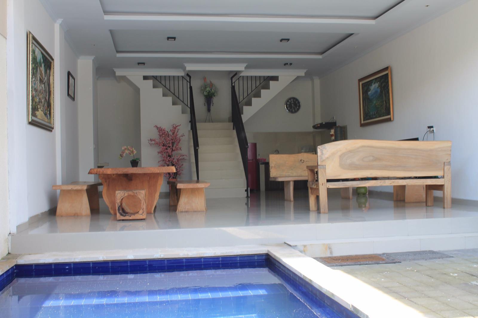 Dewi Sri Villa Hosmana Collection ホテル詳細