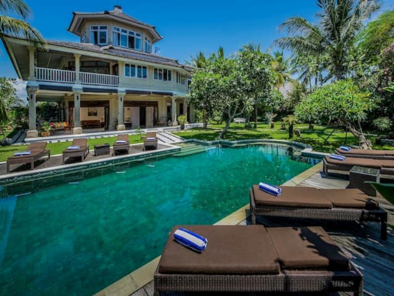 Luxury private 5 bedroom pool villa ホテル詳細