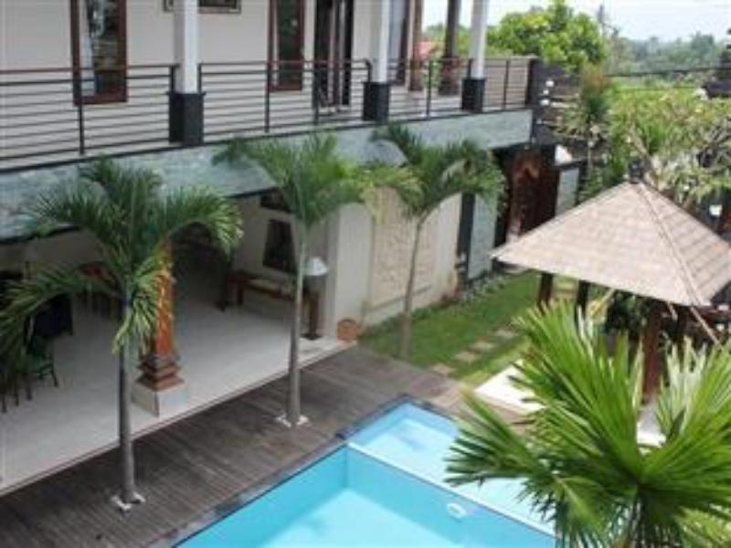 Puri Shanti Villas ホテル詳細
