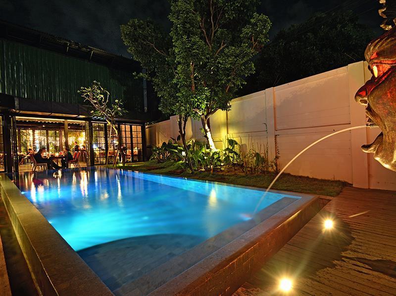 Sama Sama Suites and Restaurant ホテル詳細