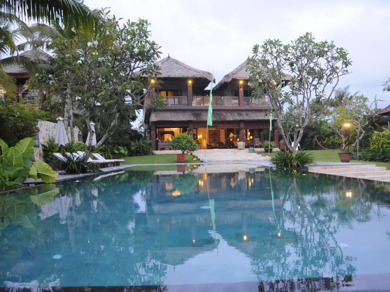 Villa Waringin by BaliOn ホテル詳細