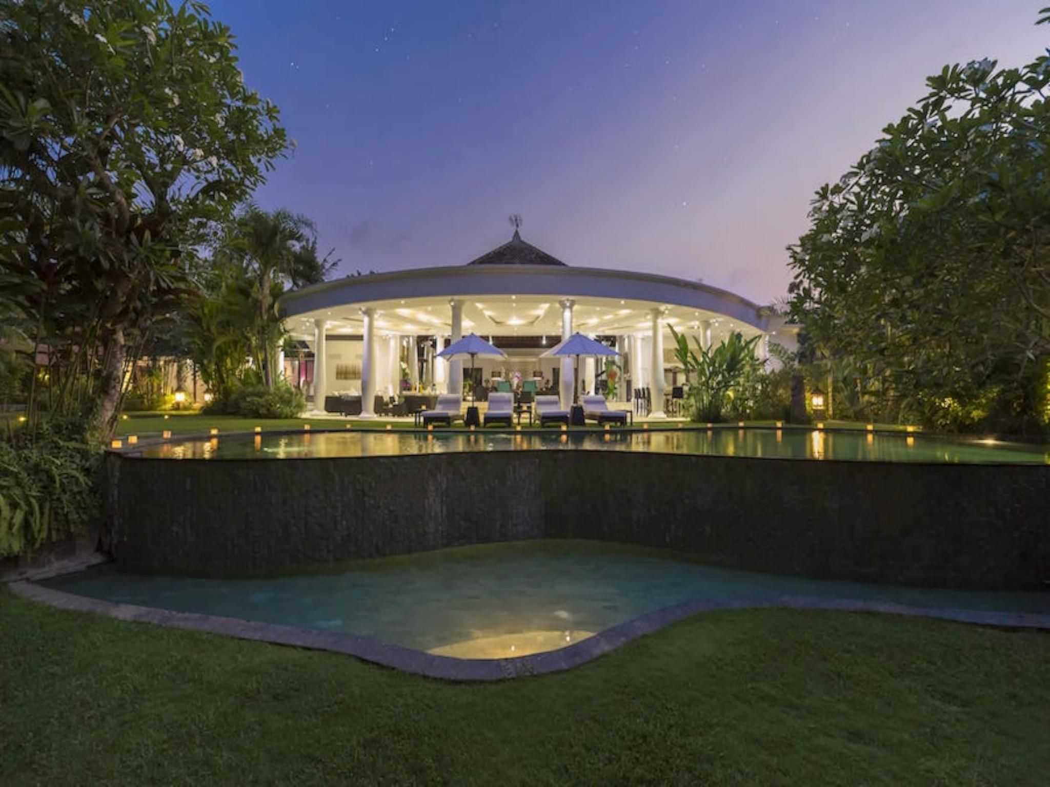 Uma Wana Prasta Estate Villa Villa 7BR - Tabanan ホテル詳細