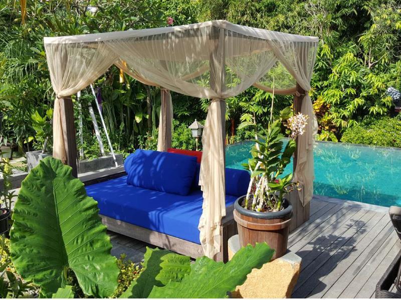Villa Bambuu 3 Bedrooms ホテル詳細