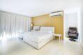 Huge One-Bedroom Apartment ホテル詳細